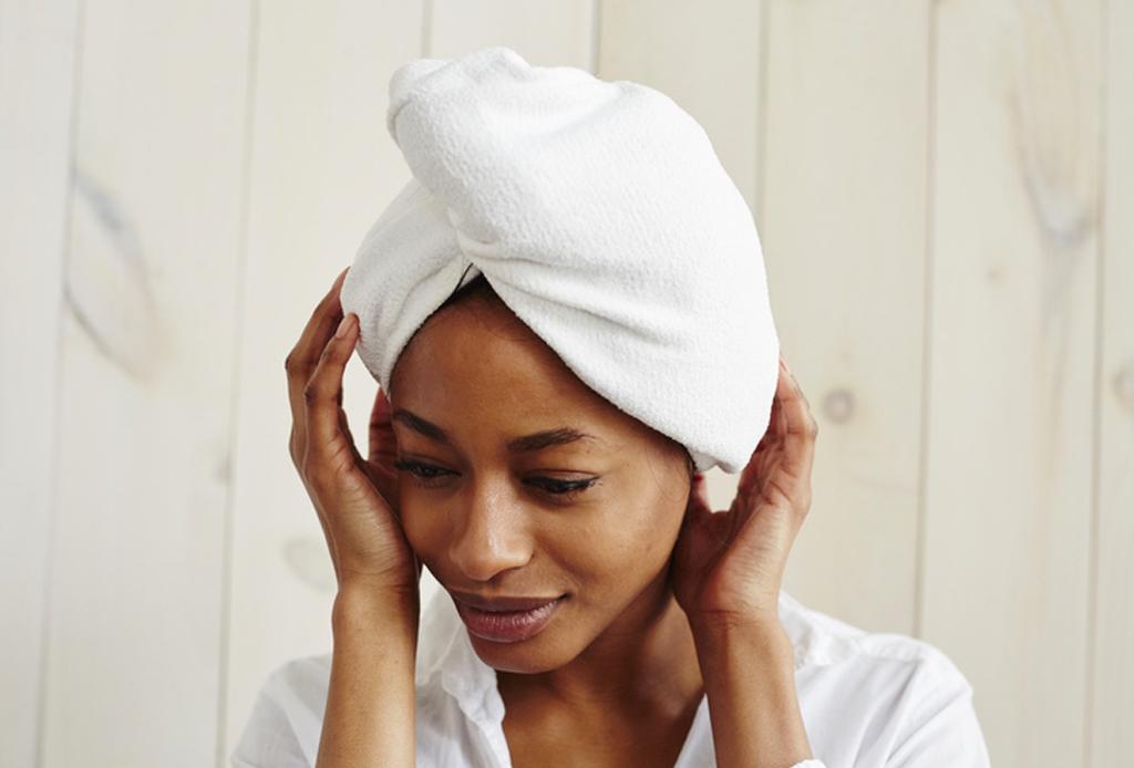 Revive tu pelo de los daños del verano con estos 4 pasos - pelo-verano-4-1024x694