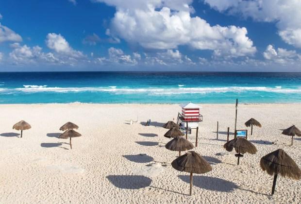 5 playas sustentables de México para conocer este verano - playa-delfines-quintana-roo