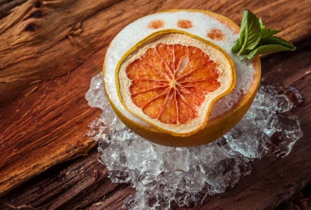 Frescos y deliciosos cocteles que puedes servir en tus frutas favoritas - receta-citric-seahorse