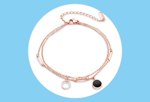La joyería para pies es el accesorio IT del verano - tobillera-joyeria-pies-1