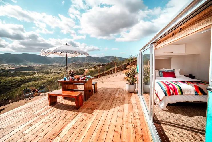 """Hospédate en estos increíbles (y extraños) alojamientos """"móviles"""" de Airbnb - captura-de-pantalla-2019-07-16-a-las-13-51-26"""