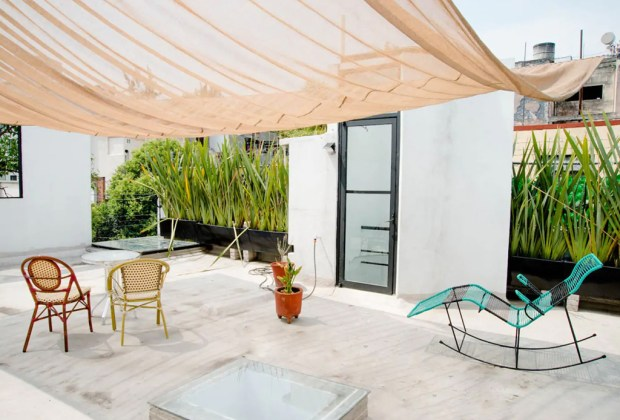 ¿Buscas Airbnb pet friendly en la CDMX? Estas son las mejores opciones - habitacion-en-terraza-de-casa-privada-con-piscina-condesa