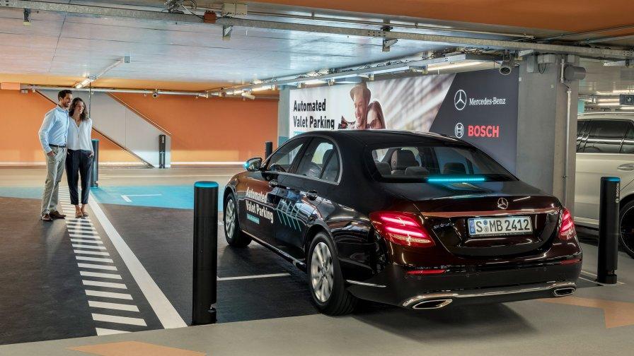El primer servicio de valet autónomo se encuentra en el museo de Mercedes Benz - mercedes-valet-parking