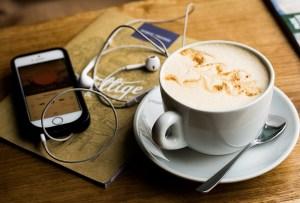 4 podcasts que te ayudarán a despertar tu espiritualidad