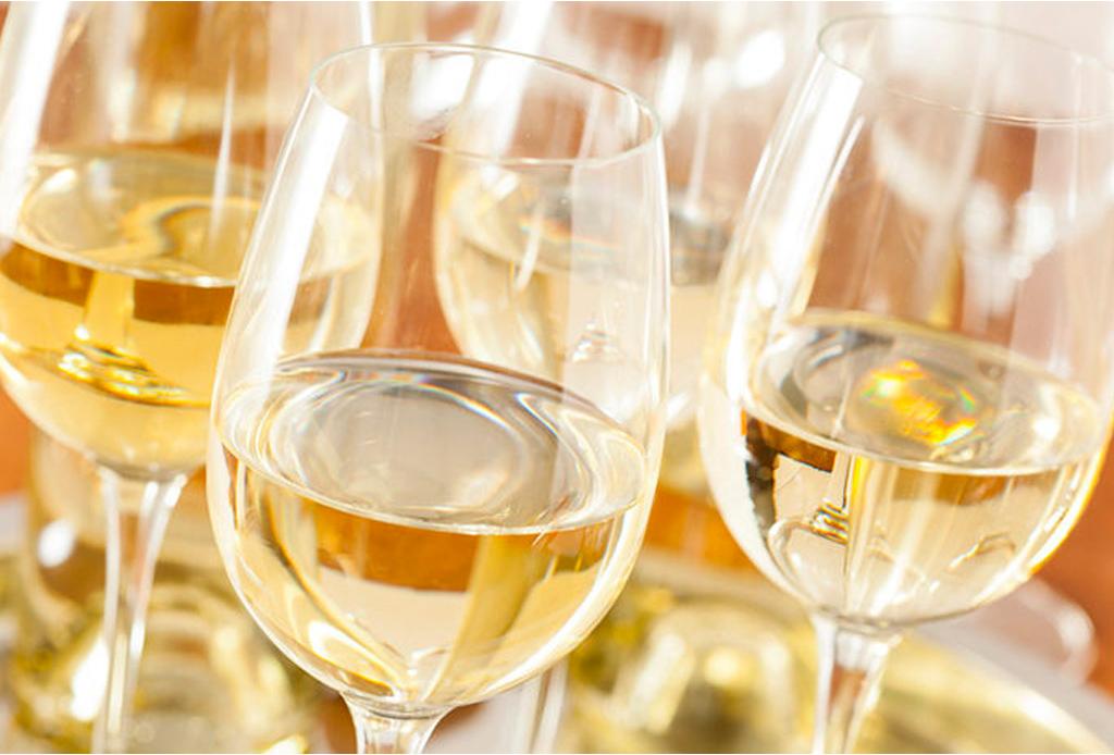 ¿Con qué vinos puedes maridar chiles en nogada? - vinos-chiles-en-nogada-3-1024x694