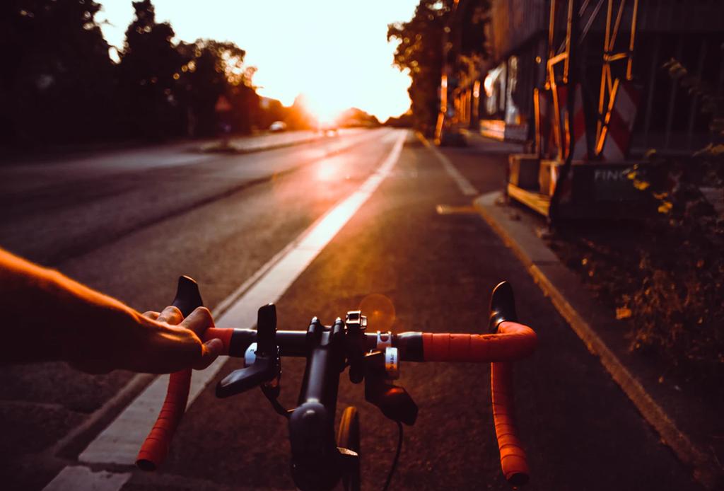 Así puedes armar un plan de staycation perfecto - consejos-seguridad-bicicleta-1-1024x694