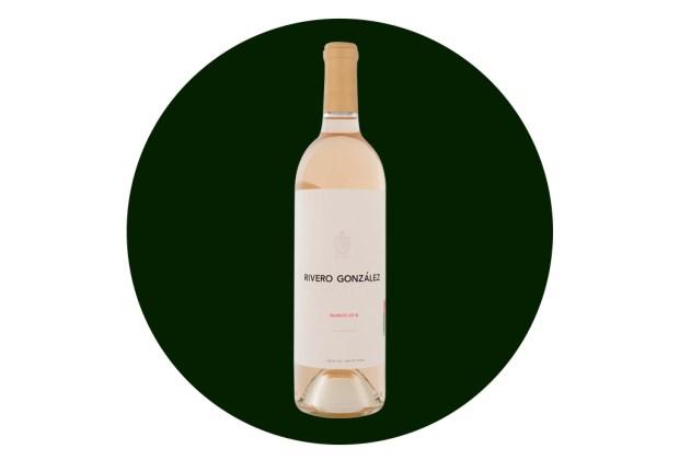 Conoce los vinos de Rivero González, un reflejo de la calidad de Parras - rivero-gonzalez-blanco