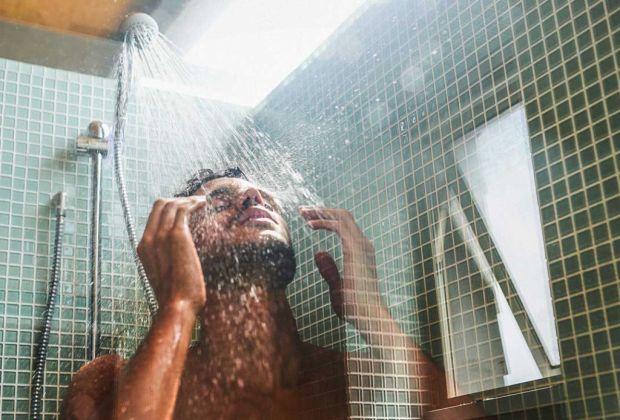 Beneficios de bañarte con agua fría - bancc83o-agua-fria