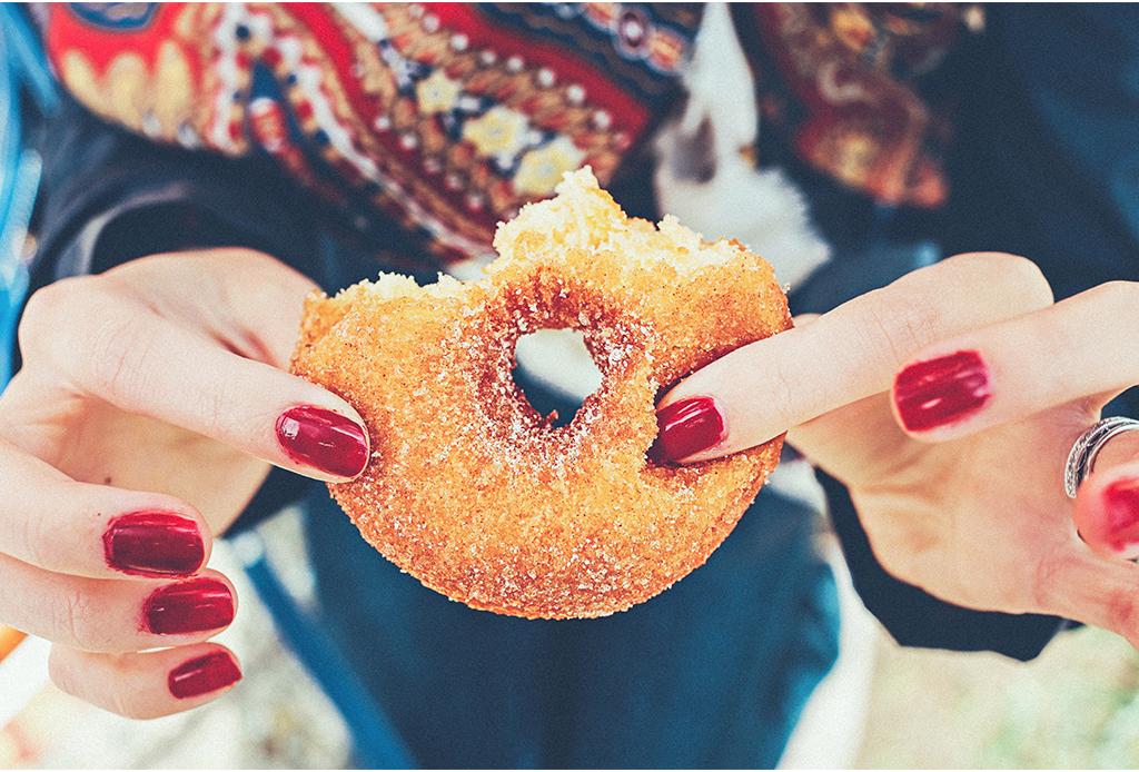 """La práctica del """"mindful snacking"""" puede cambiar la forma en que te nutres - mindful-snacking-2-1024x694"""