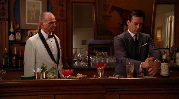 Estos son los tragos que tus personajes favoritos toman en televisión - old-fashioned