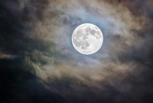 ¿Cómo nos afectan las fases de la luna?
