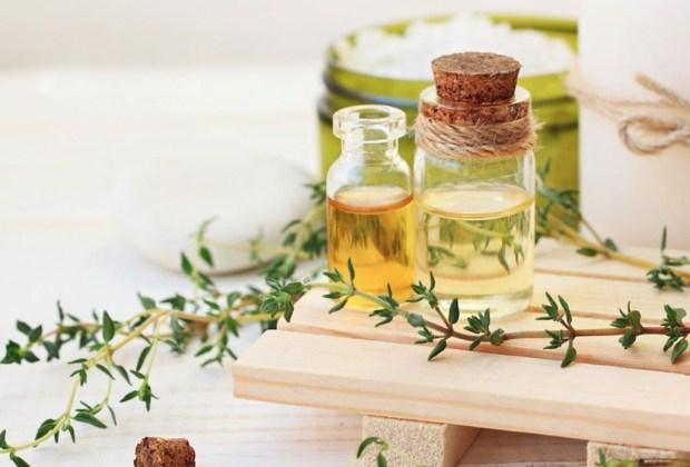 Algunos aceites esenciales que pueden ayudarte a reducir el SPM - tomillo-aceite-esencial