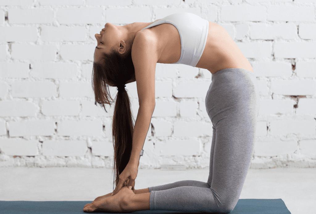 Haz esta secuencia de yoga para alinear tus chakras - yoga-chakras-4-1024x694