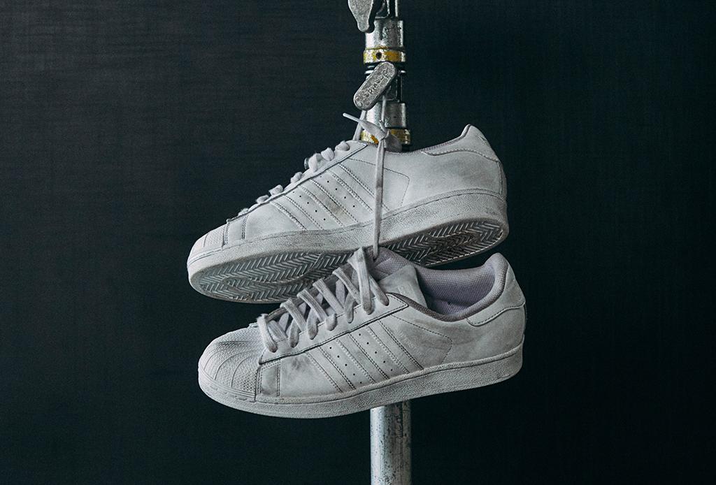 ¿Te gustan los sneakers clásicos? Esta colección de adidas Originals es para ti