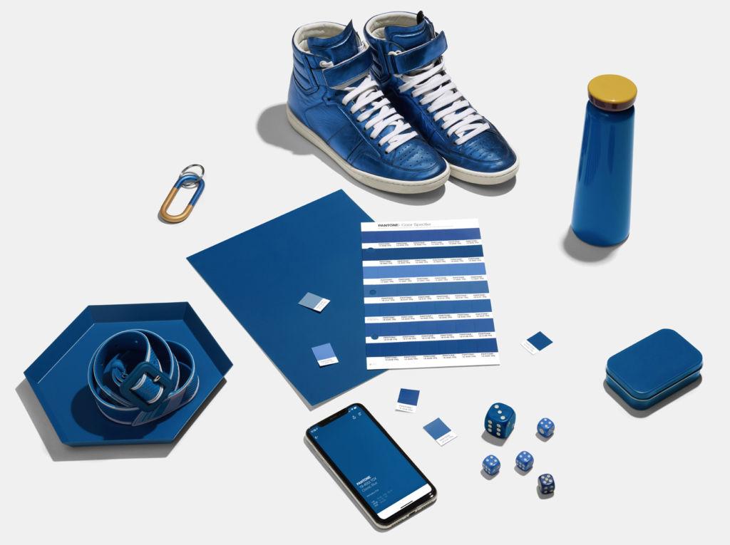 Así puedes combinar el Classic Blue, el color de Pantone para 2020 - pantone