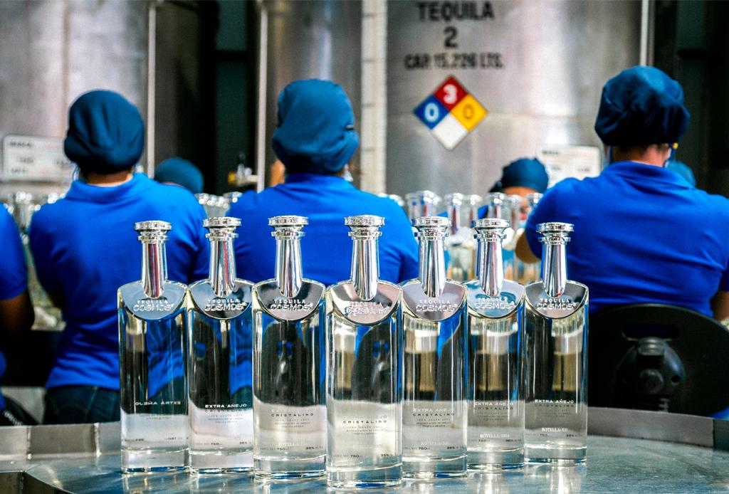 4 razones por las que deberías regalar Tequila Cosmos en estas fechas - tequila-cosmos-3