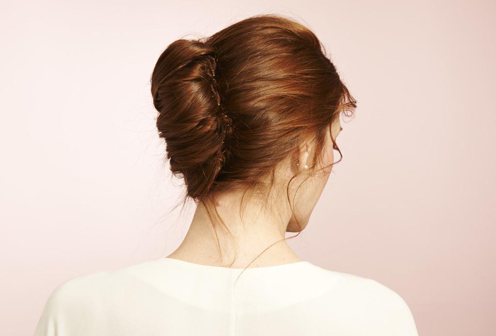 7 peinados que te ahorrarán tiempo en la mañana - french-twist