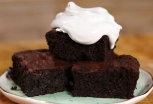 ¿Brownie de quinoa? ¡Sí! Aprende a preparar esta versión healthy con crema de coco