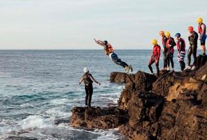 ¿Te consideras un aventurero? Tienes que conocer Coasteering ¡ahora!
