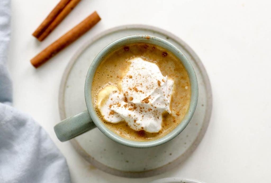 ¿Cómo hacer lattes de colores naturales? AQUÍ la respuesta - latte-calabaza-y-especias