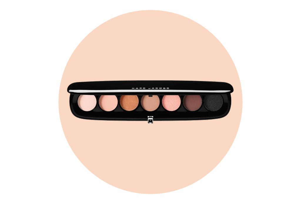 Paletas de sombras neutras para pasar del día a la noche - marc-jacobs-beauty-eye-conic-multi-finish-eyeshadow-palette