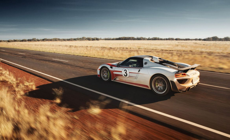 Las mejores autopistas del mundo para pisar el acelerador - porsche-sturart-autopista-australia