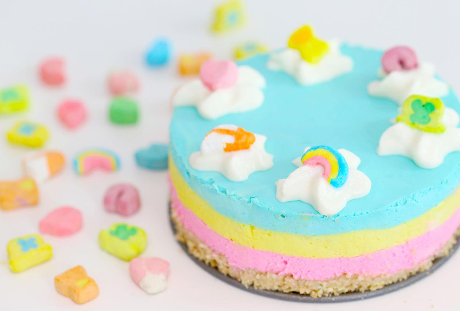 ¿Quieres un pastel muy original? Esta receta de Lucky Charms enamorará a cualquiera