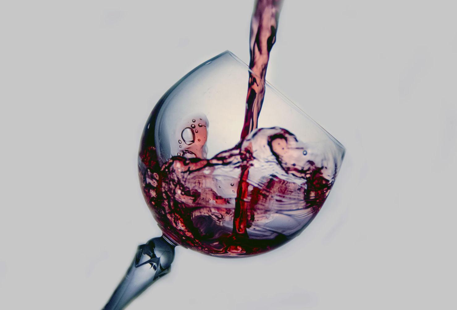 ¡Atención amantes del vino! Estos tips te convertirán en un sommelier desde casa