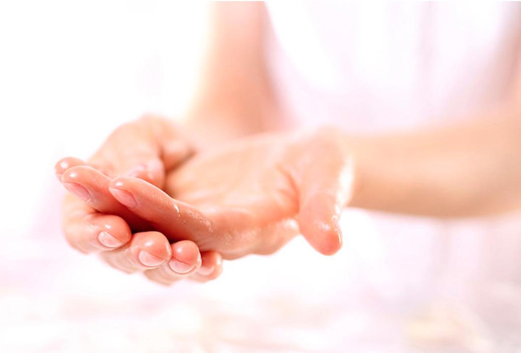El detox que necesitas para tener las mejores uñas - detox-uncc83as-2
