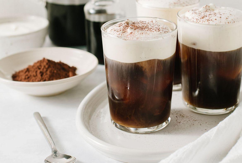 Prepara estos drinks con café para el Home Office, estamos en cuarentena y ¡se vale! - receta-gallo-mancc83anero