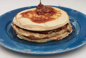 José Ramón Castillo compartió la receta de unos hot cakes rellenos de crema de avellana y tienes que intentarla ¡YA!