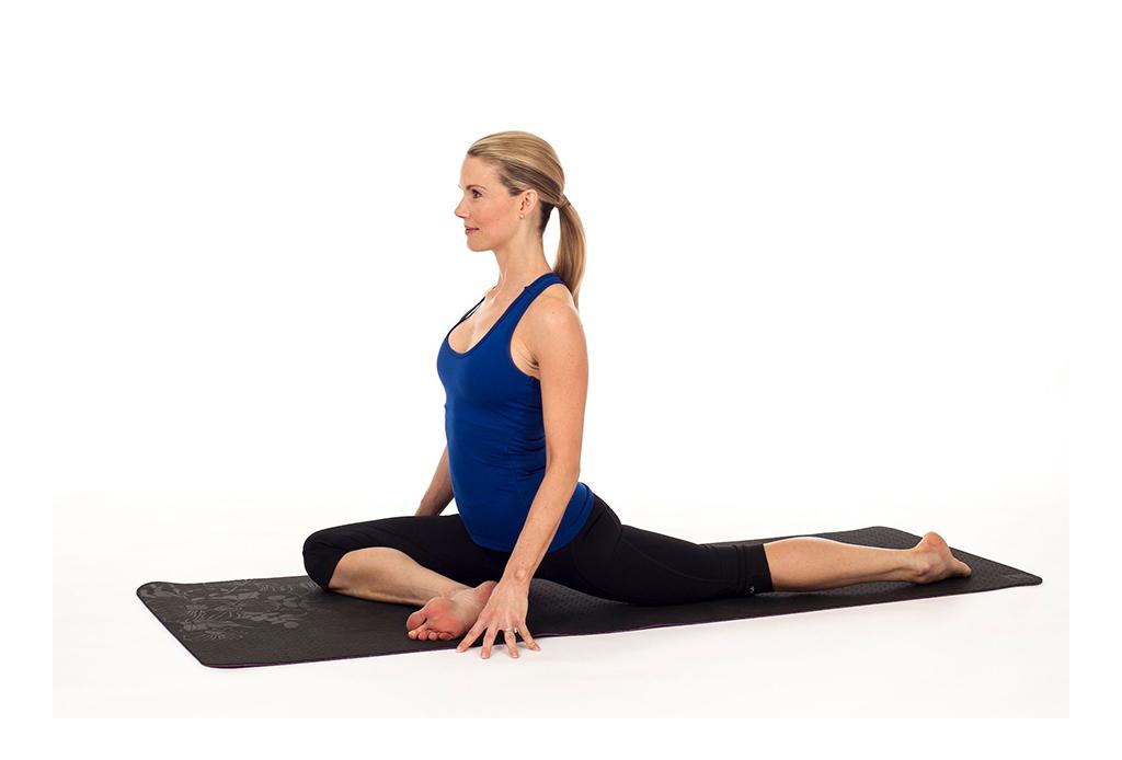 7 posturas de yoga (fáciles) para aliviar la espalda de las horas de home office - yoga-espalda-5