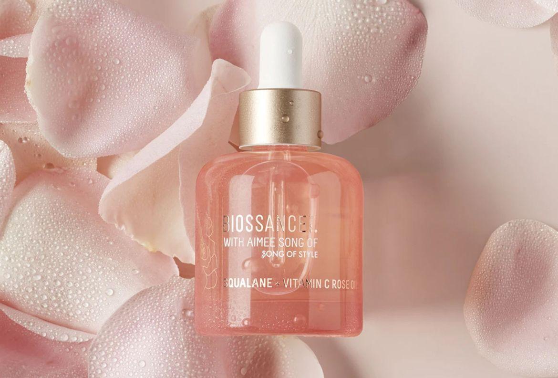 Conoce los beneficios del aceite de rosas e inclúyelo en tu rutina de belleza - biossance-aceite-de-rosas