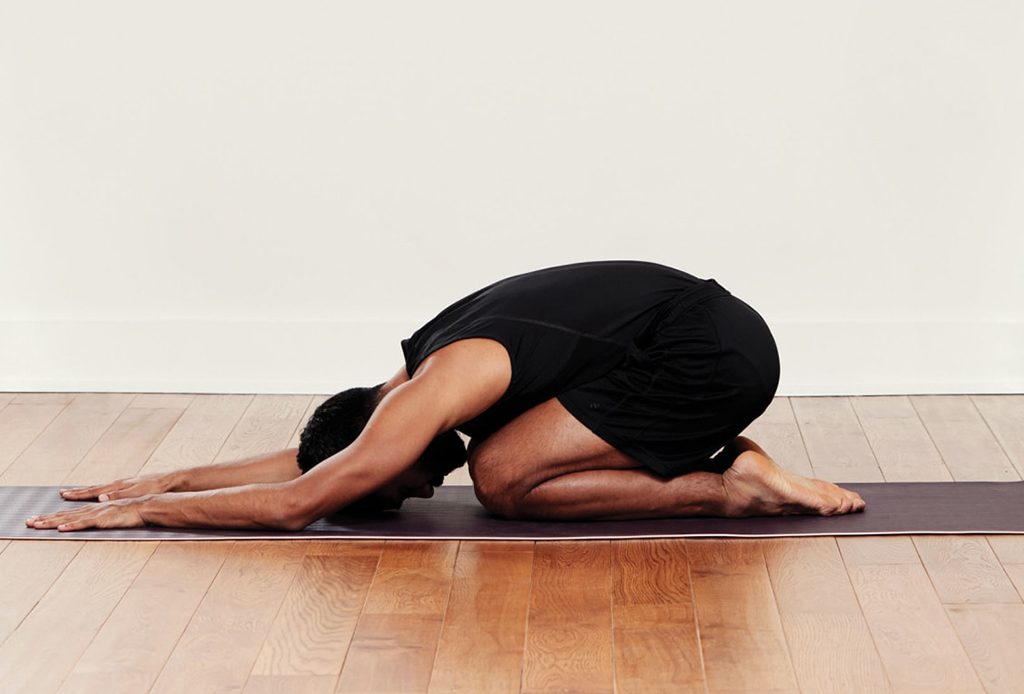 Posturas de yoga para prepararte para dormir delicioso - yoga-dormir-3