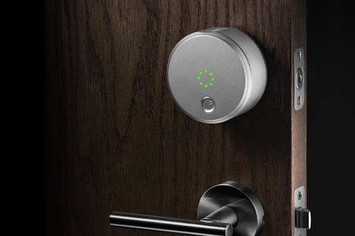 4 Ventajas de tener una cerradura inteligente en casa