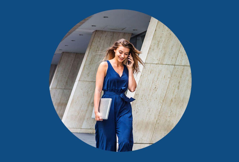 Agrega estos colores a tu ropa de verano para entrar en el mood - classic-blue-pantone-2020