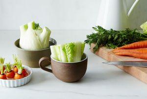Estas verduras son ideales para volver a cultivar ¡en un frasco con agua!
