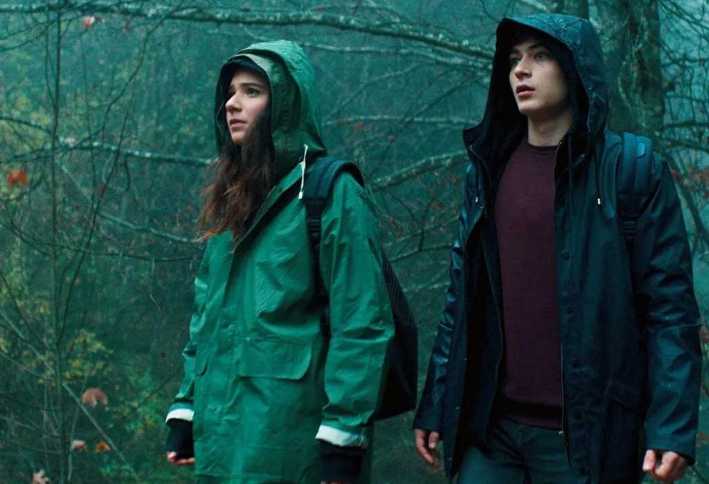 Todo lo que debes saber sobre la nueva serie de terror Curon de Netflix - disencc83o-sin-titulo-18-2