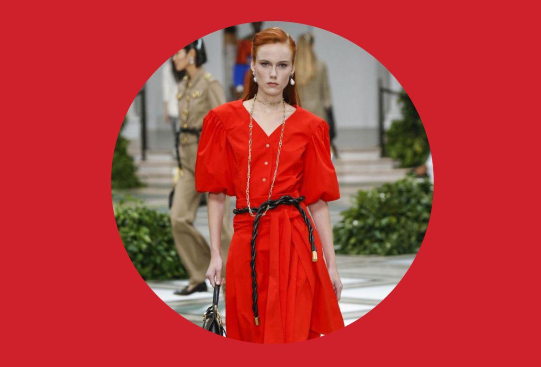Agrega estos colores a tu ropa de verano para entrar en el mood - flame-scarlet-pantone-2020