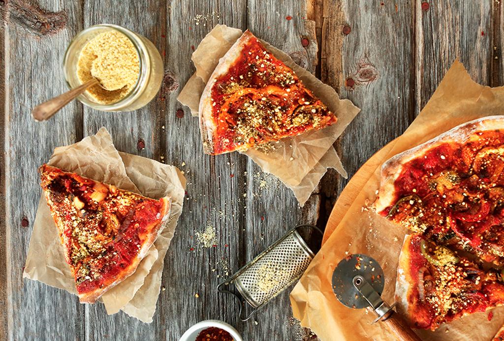 Haz una deliciosa pizza vegana con esta sencilla receta - pizza-vegana-2
