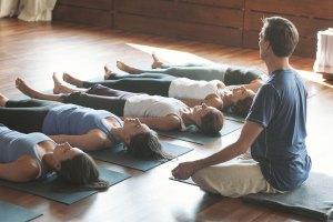Atrae calma y claridad mental con Yoga Nidra