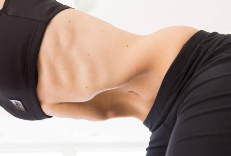 Qué son los abdominales hipopresivos y cómo hacerlos en casa - abdominales-hipopresivos