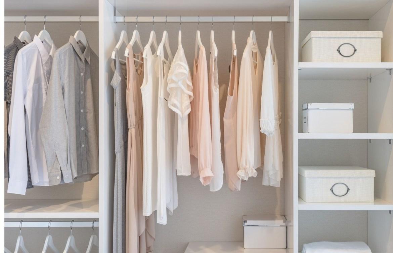 Te decimos como hacer tu armario cápsula y los beneficios que obtendrás - armario-capsula