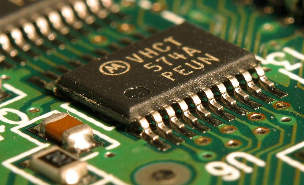Los inventos tecnológicos más importantes de la historia - semiconductores-electricos