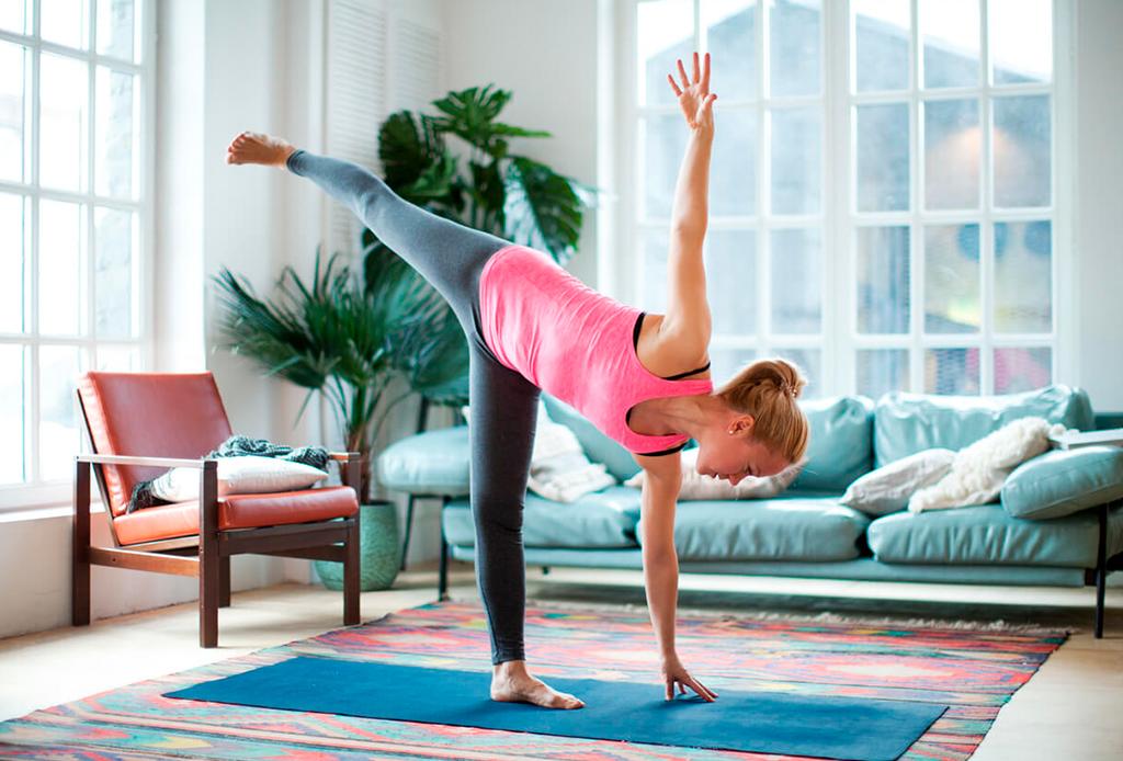 5 posturas de yoga para hacer detox y limpiar el cuerpo - posturas-yoga-detox-3