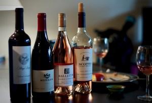¿Cómo debes conservar el vino una vez abierto?