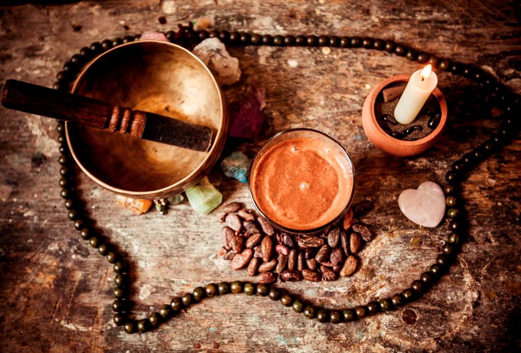 Lo que pasa en una ceremonia de cacao y por qué es tan relevante - ceremonia-de-cacao-2