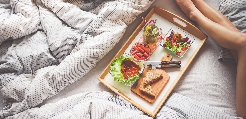 Beneficios de cenar temprano ¡Cambia tus hábitos!