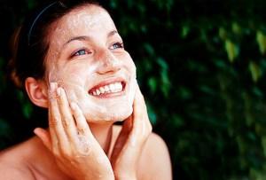 ¿Cómo funcionan los aceites para limpiar la piel  facial?
