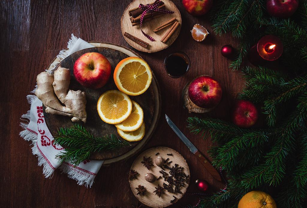 Llena tu hogar de aromas navideños con estas opciones DIY - aromas-navidencc83os-2
